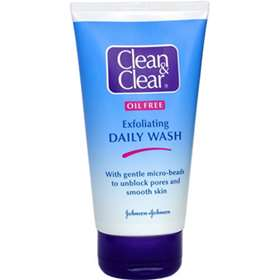 Clean & Clear Exfoliating Daily Wash 150ml
